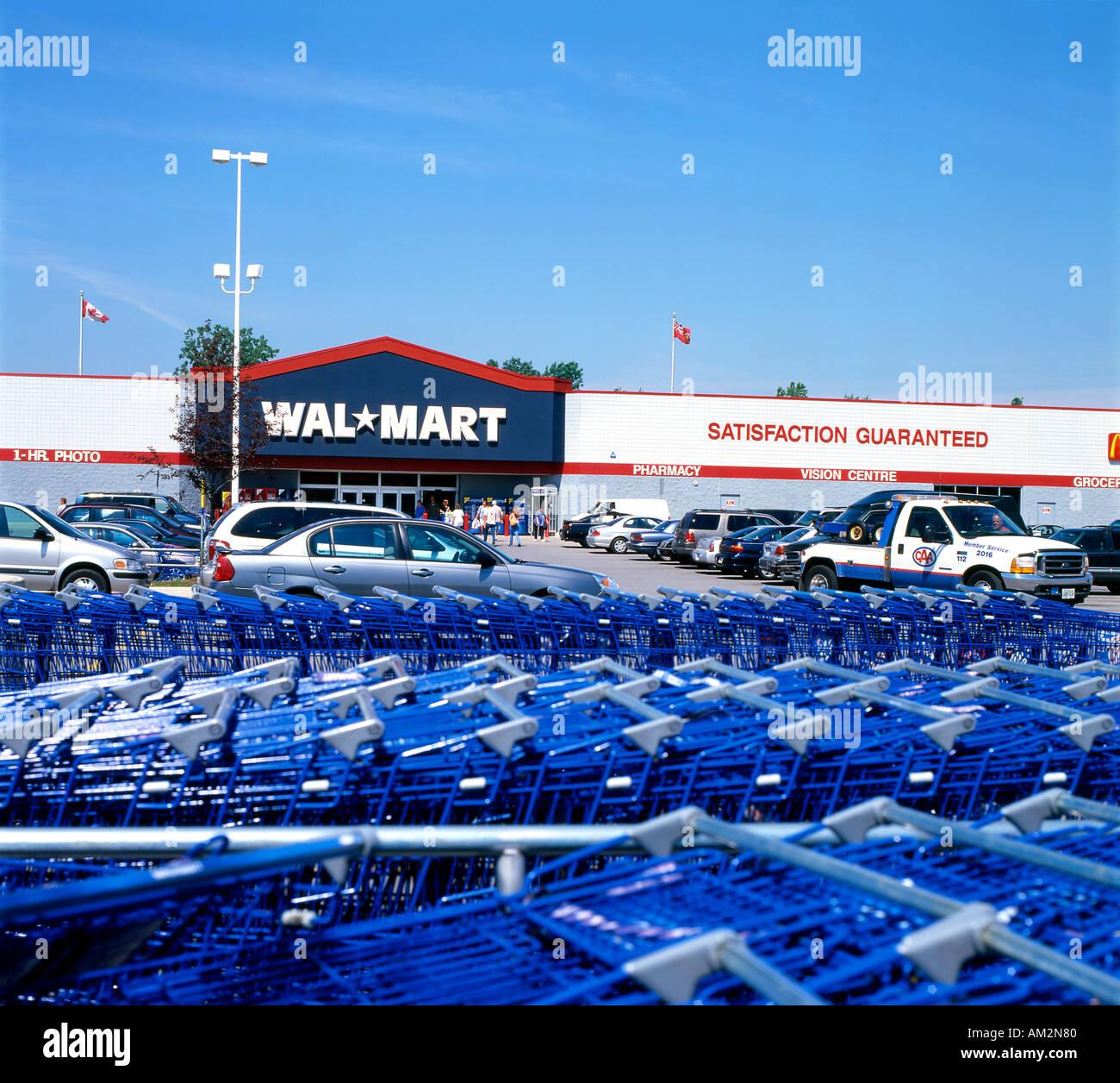 Wal Mart Cart Stock Photos & Wal Mart Cart Stock Images