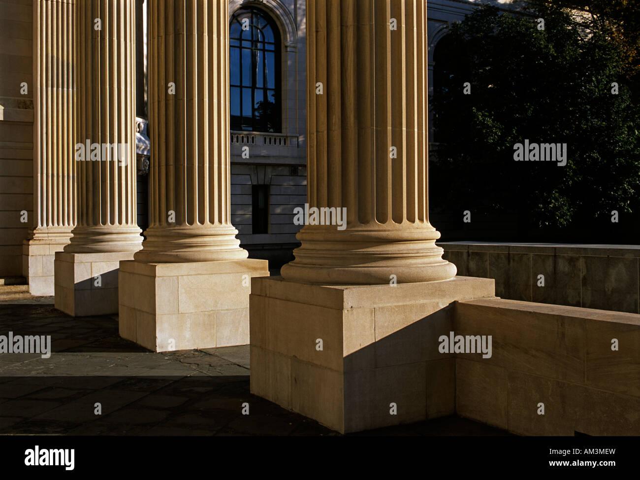 Alumni War Memorial in Hewitt Quad at Yale. Part of Alumni War Memorial - Stock Image