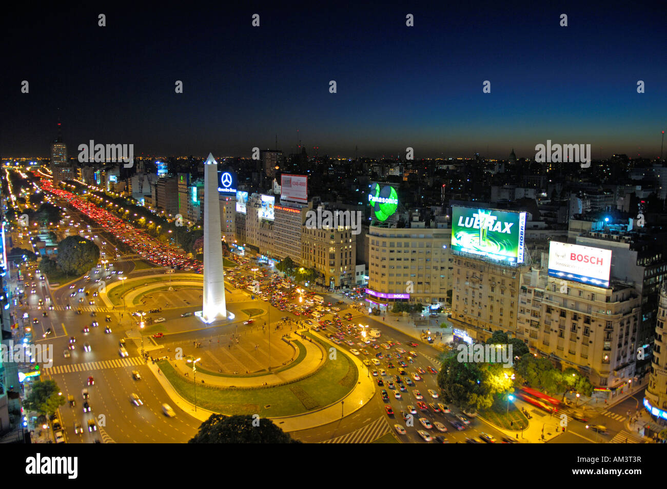Avenida 9th July and the Obelisco at night in Buenos Aires - Stock Image