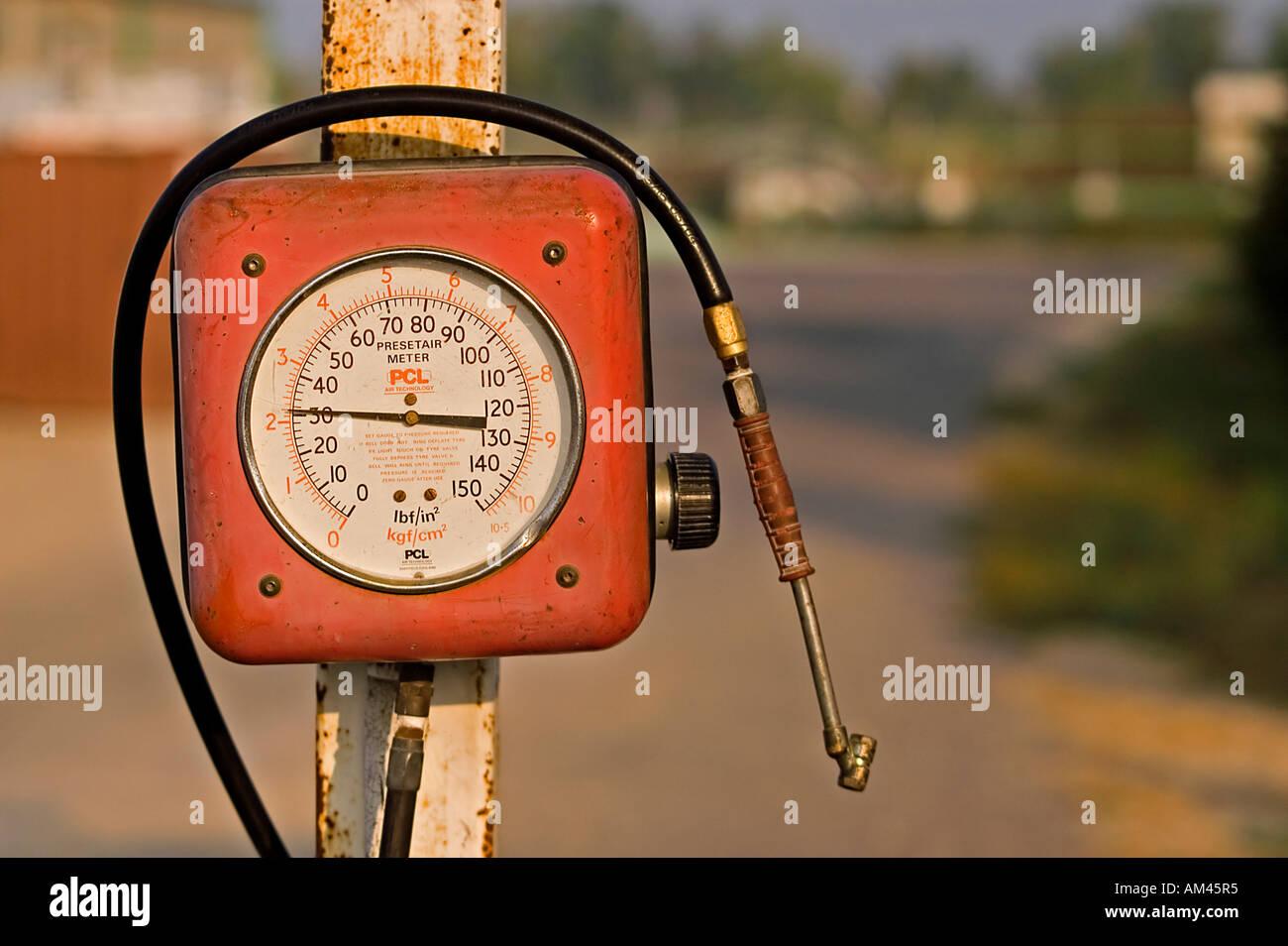 A motorcar air pump at a gas station Israel - Stock Image