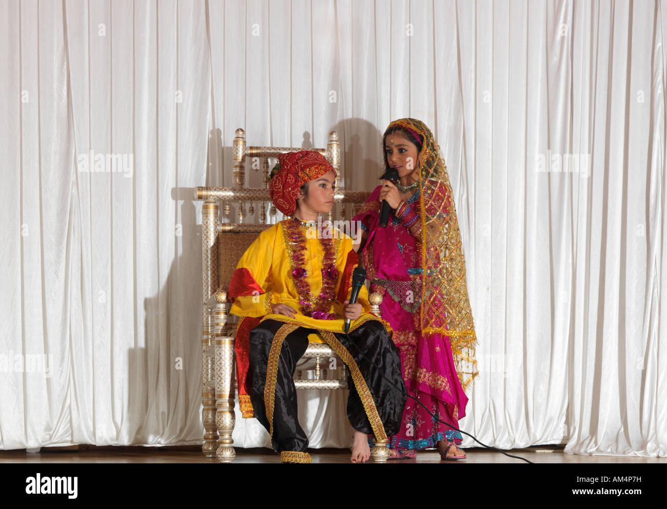 Children Acting Diwali Play About Akbar London - Stock Image