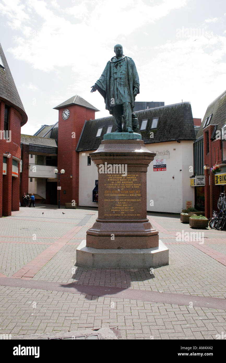 STATUE OF SIR H. HUSSEY VIVIAN BART M.P. IN SWANSEA CITY CENTRE, WEST GLAMORGAN, SOUTH WALES, U.K. - Stock Image