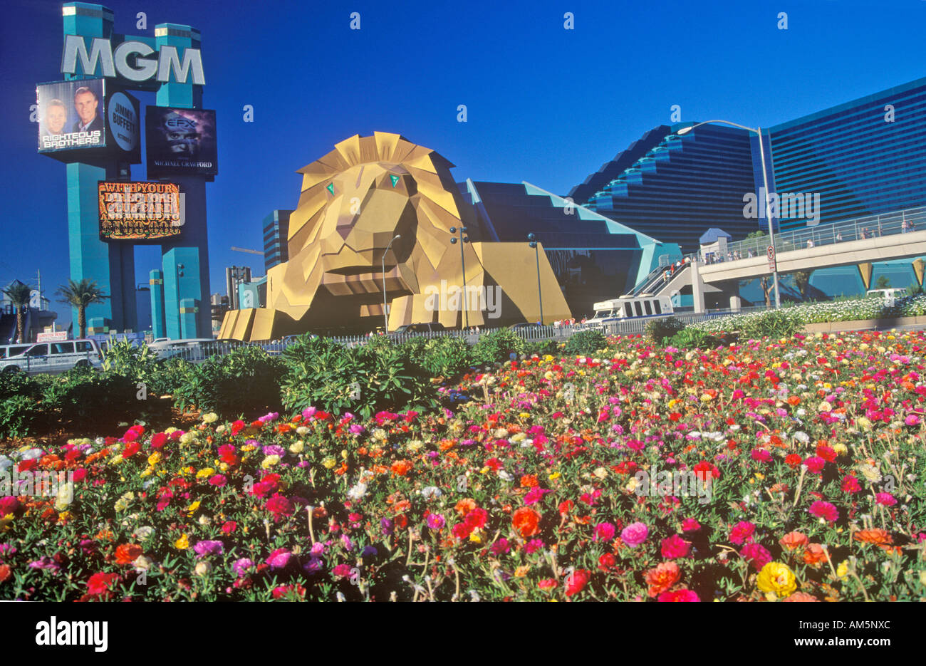 Replica Of Lion At The Entrance Of The Mgm Grand Hotel Las Vegas Nv Stock Photo Alamy