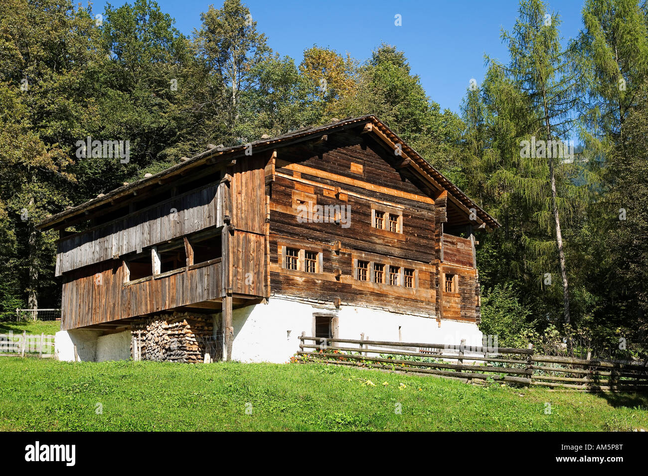 House from 1336, Open-Air-Museum Ballenberg, Brienz, Switzerland, Europe