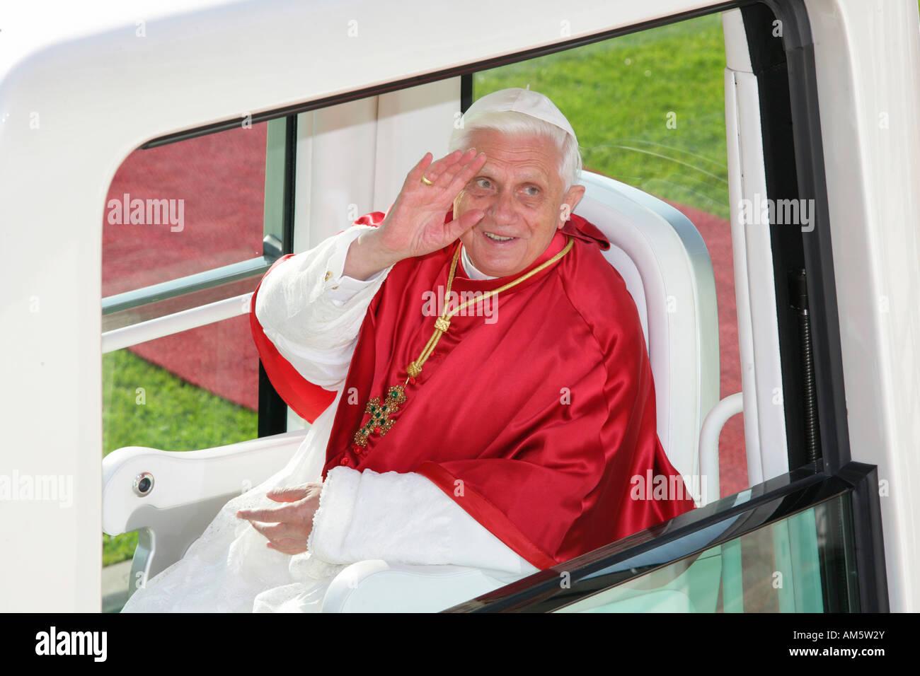 Farewell, papal visit of Benedikt XVI., Altoetting, Bavaria, Germany Stock Photo