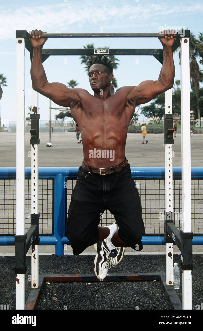 body builder training at muscle beach  venice beach