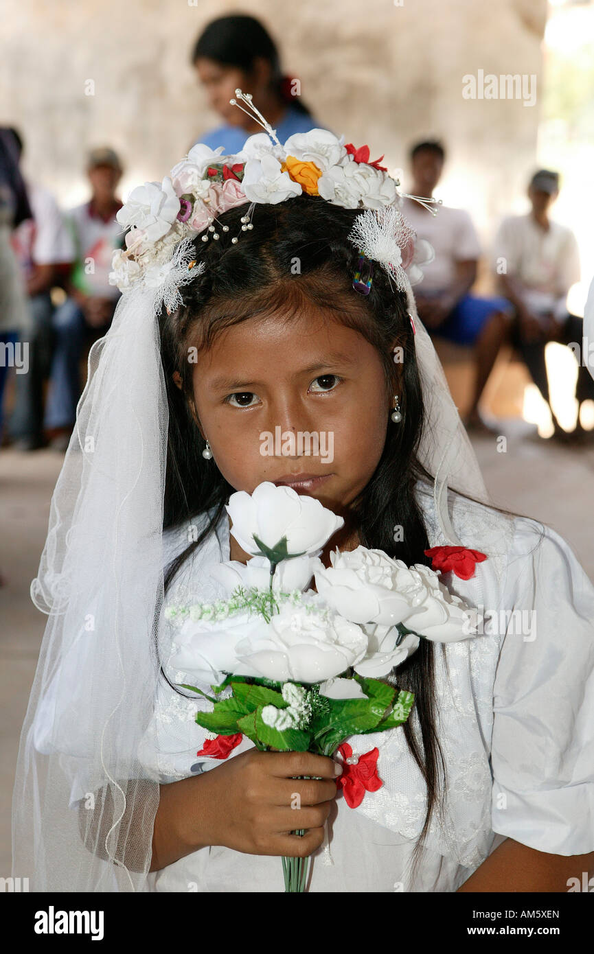 Flower girl, Indian wedding, Loma Plata, Chaco, Paraguay, South America Stock Photo