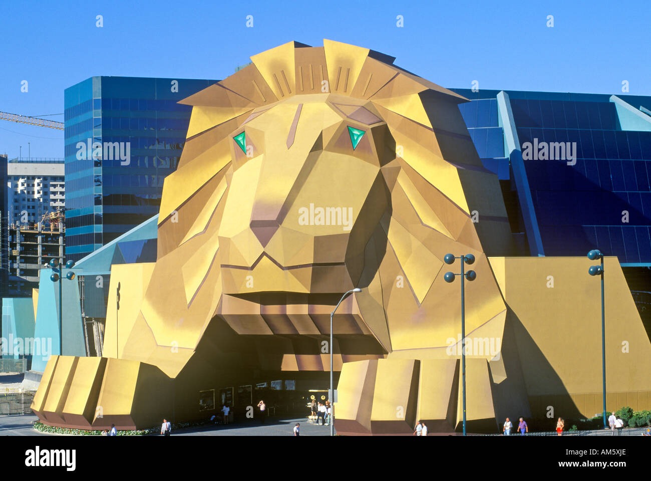 Replica Lion Entrance Mgm Grand High Resolution Stock Photography And Images Alamy