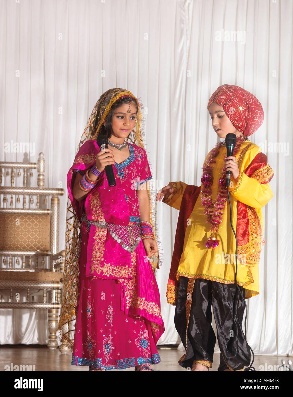 Children Acting Play about Akbar on Diwali London - Stock Image