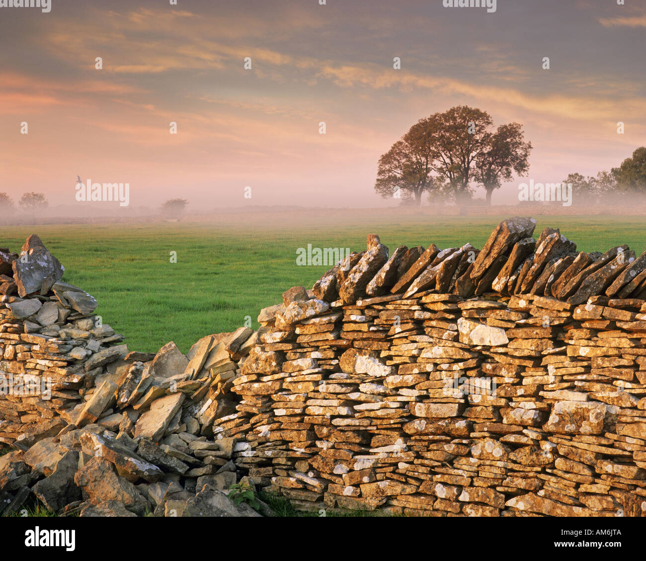 GB - GLOUCESTERSHIRE:  Typical Cotswold Scene - Stock Image