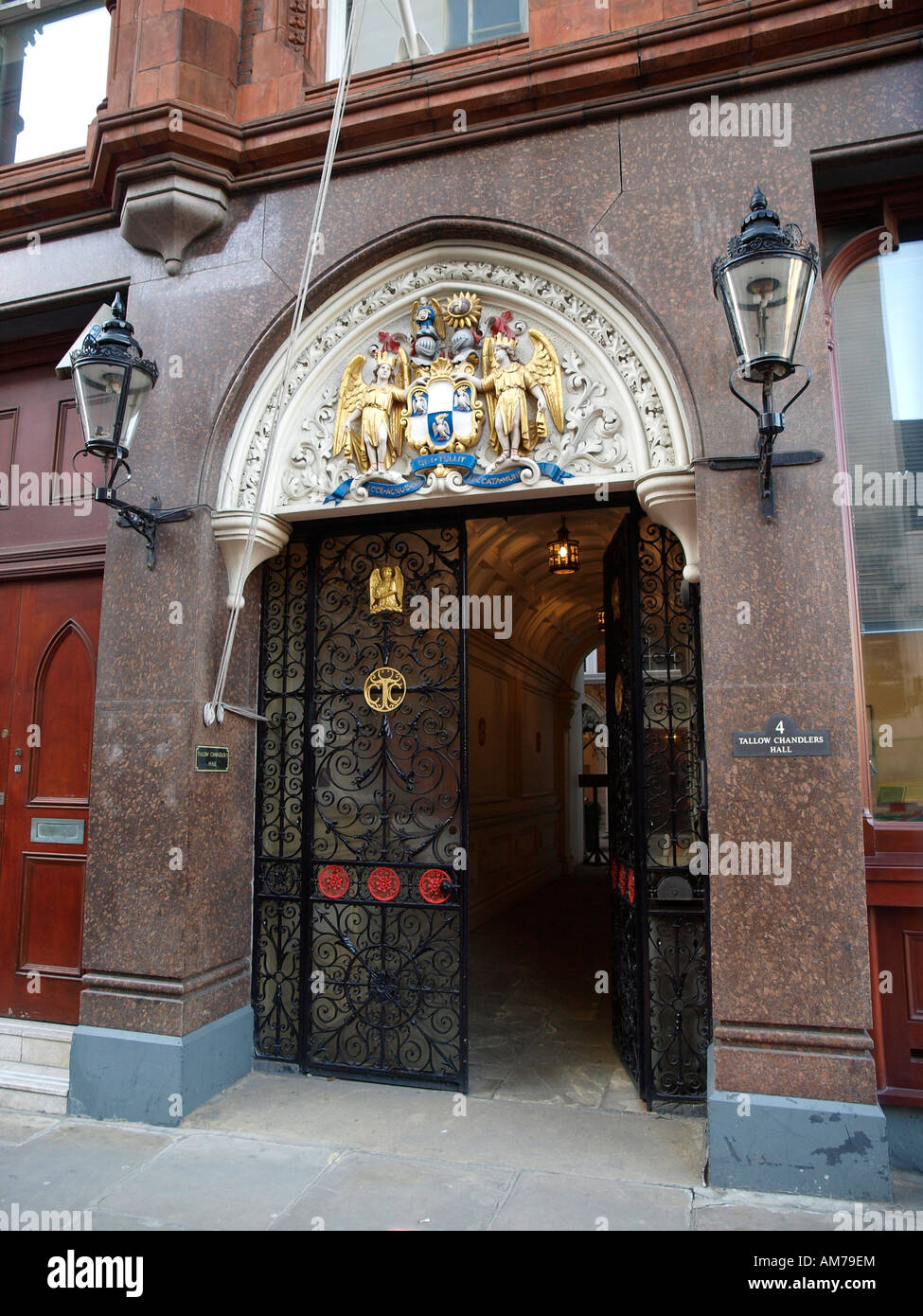 The entrance to Tallow Chandlers Hall, Dowgate Hill, London, EC4R 2SH - Stock Image