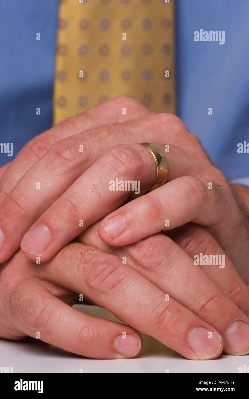 Mans Hand With Wedding Ring On Finger Stock Photos & Mans Hand With ...