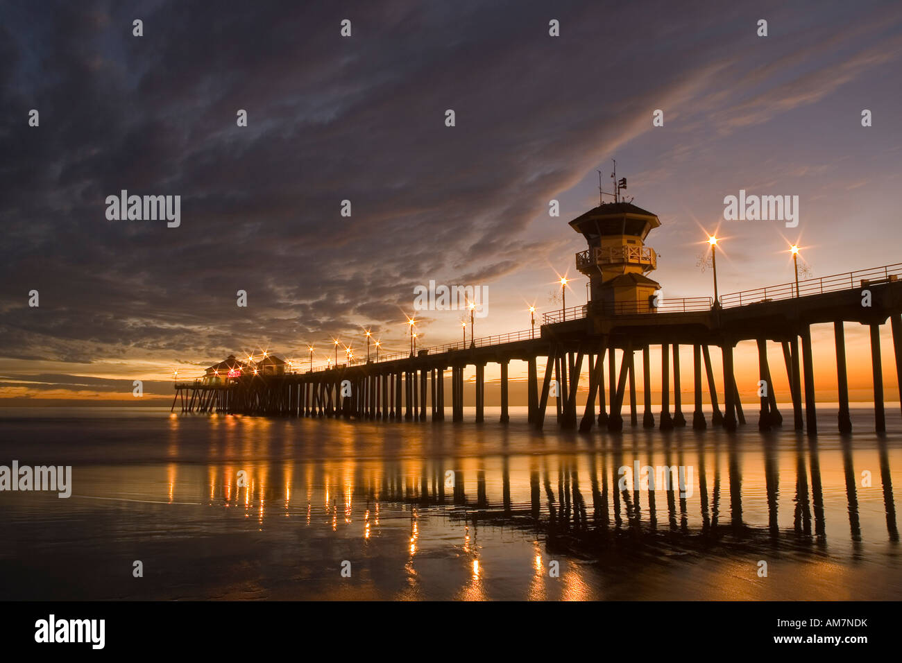 Huntington Beach Pier At Sunset Stock Photo 15176046 Alamy