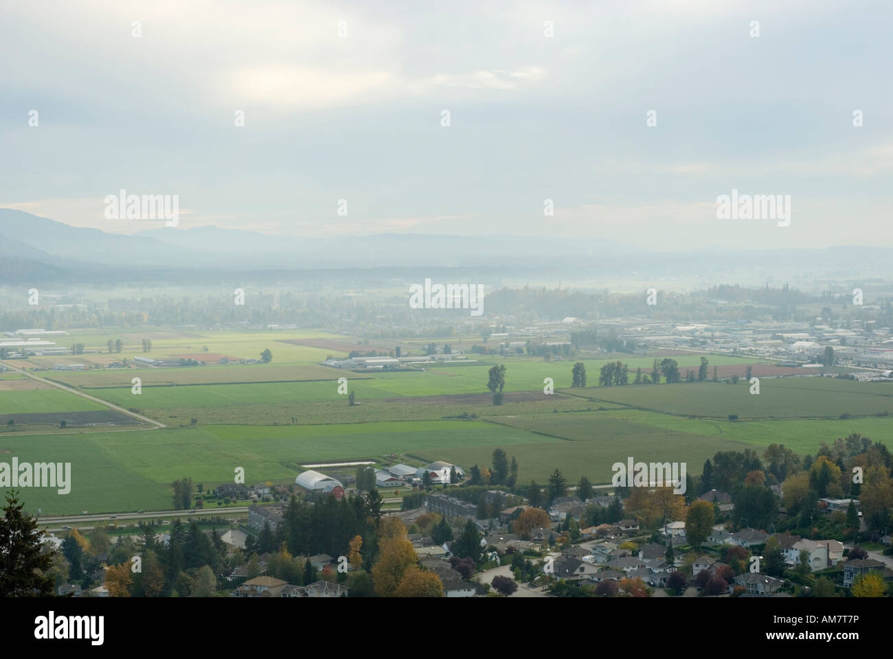 Air pollution trapped in the Fraser Valley at Abbotsford, British Columbia, Canada, 2007 - Stock Image