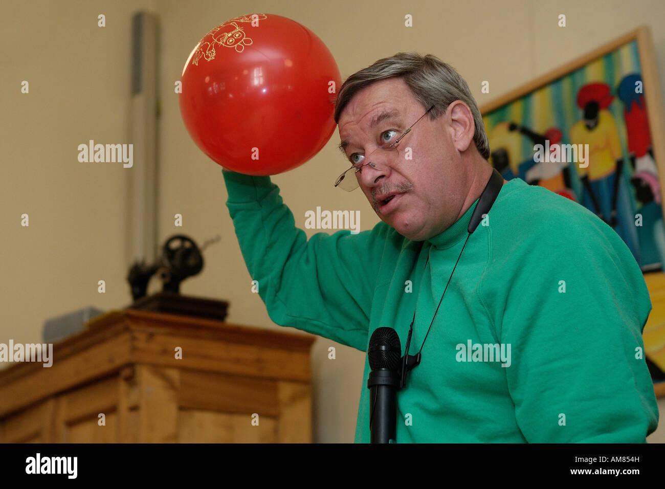"""Pro Grammar School, Christoph Biemann from """"Die Sendung mit der Maus"""" (Educational TV) Stock Photo"""