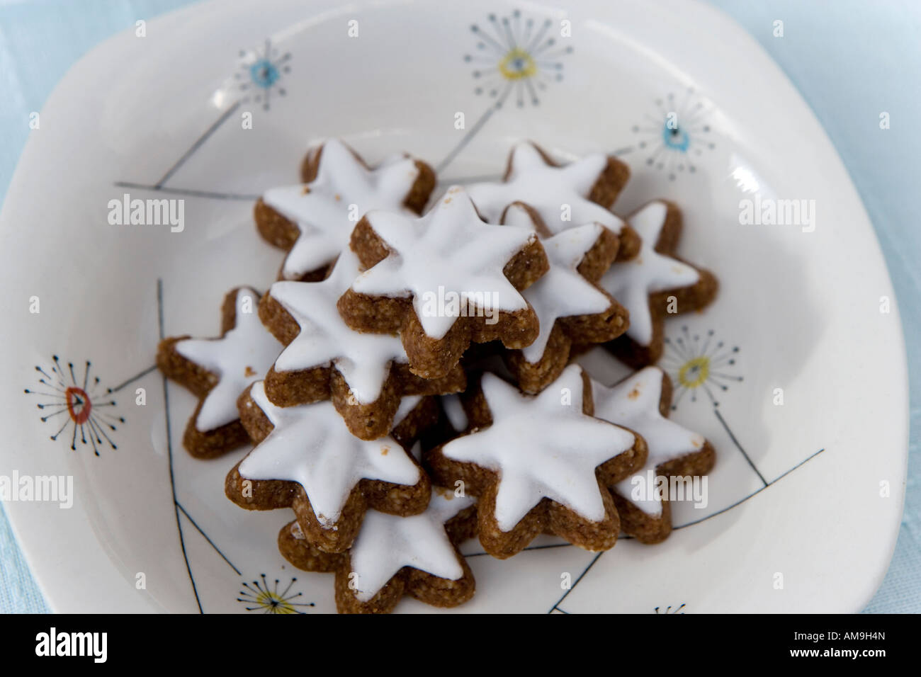 Iced Ginger Biscuits Stock Photo 15193412 Alamy