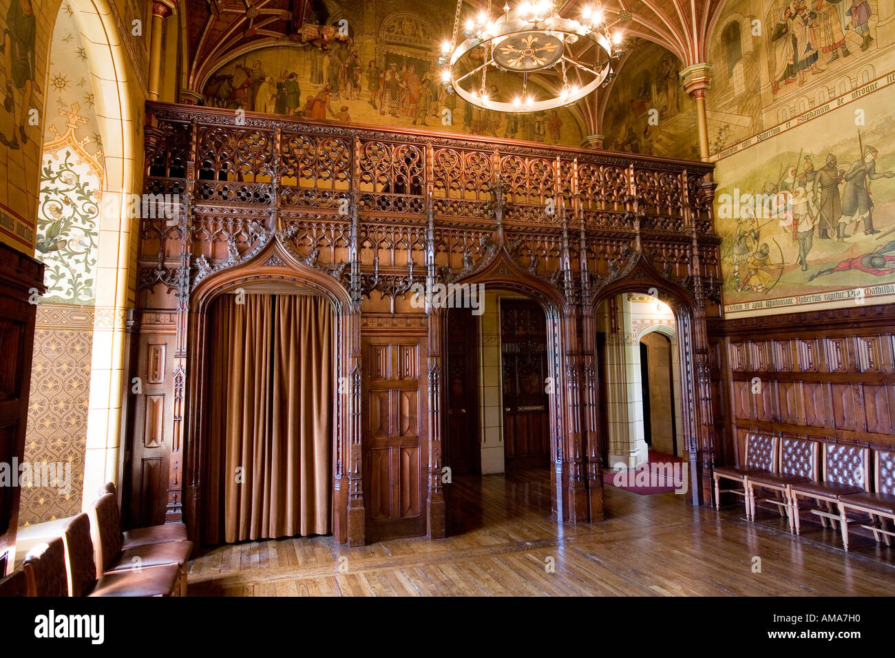wales cardiff castle banqueting hall minstrels gallery stock image