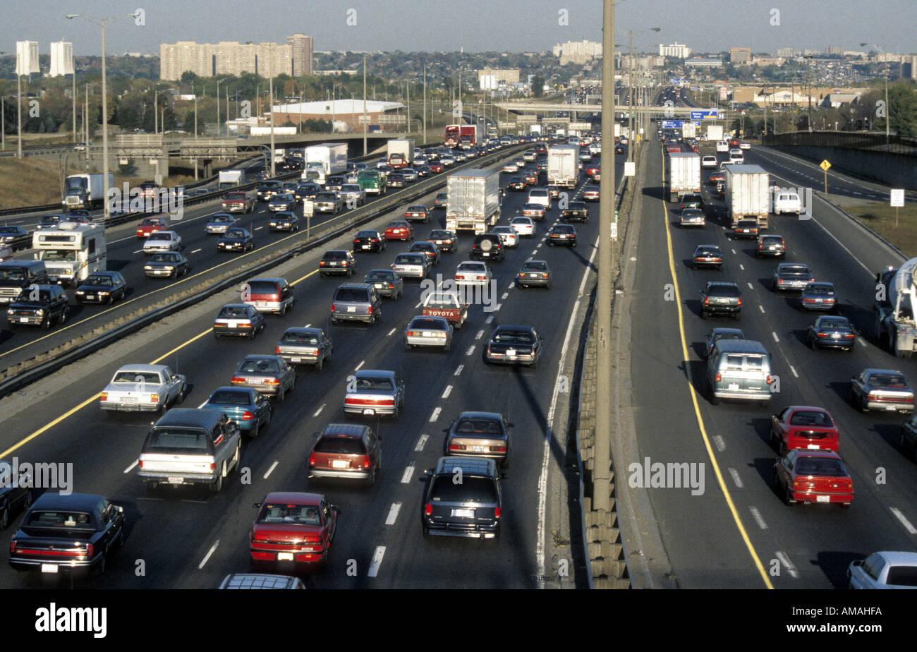 Toronto Canada heavy traffic on Highway 401 Stock Photo: 4962809 - Alamy
