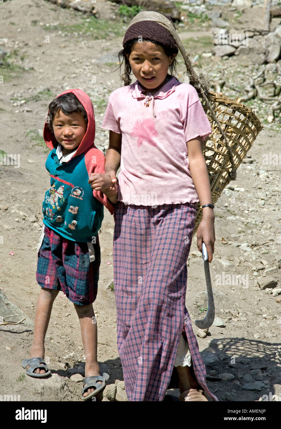Brother and sister. Thanchok village. Annapurna circuit trek. Nepal - Stock Image