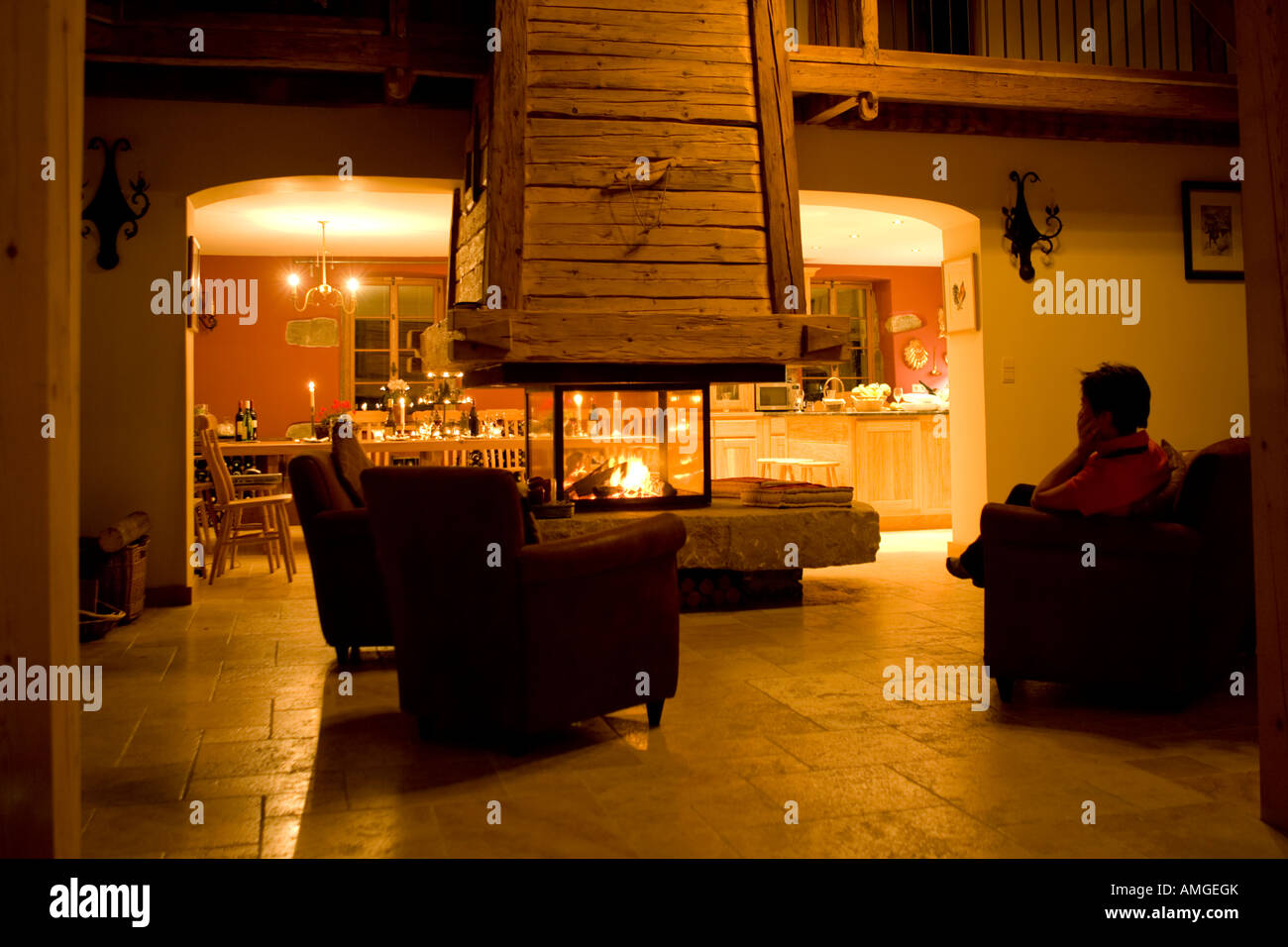 Double Rideaux Style Chalet room fire fireplace french stock photos & room fire