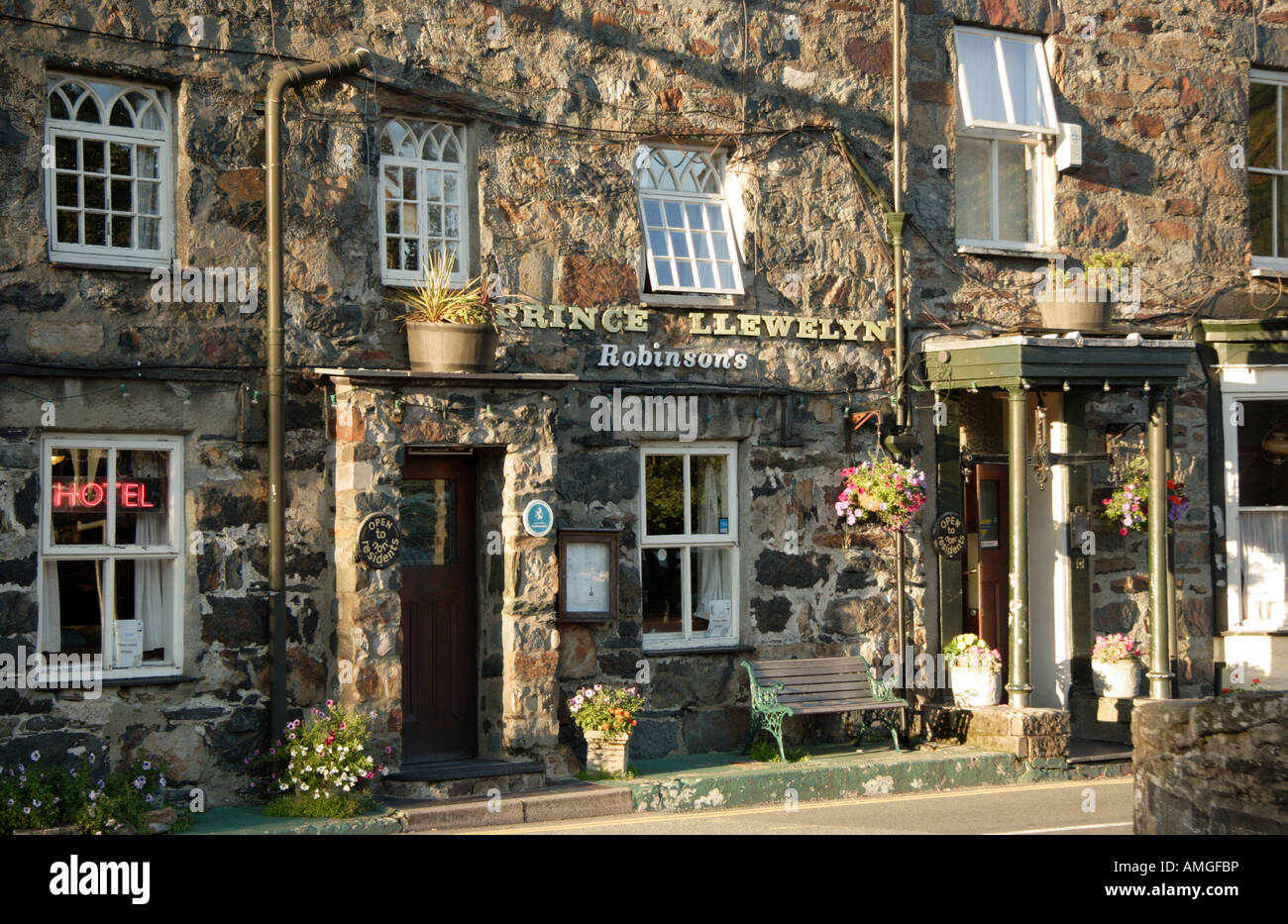 Prince Llewelyn Hotel, Beddgelert, Snowdonia, Gwynedd, North Wales, UK - Stock Image