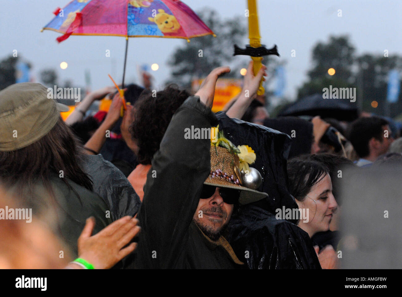 pic martin phelps 26 07 07 reporter gordon womad festival charlton park malmesbury third night saturday Stock Photo