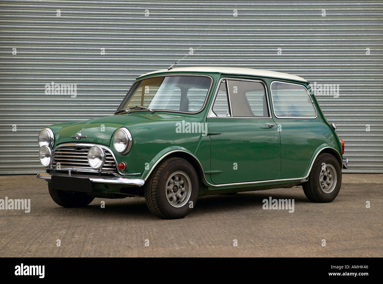 1967 Morris Mini Cooper 1275cc S saloon with minilite wheels foglamps and widened wheelarches Country of origin UK - Stock Image
