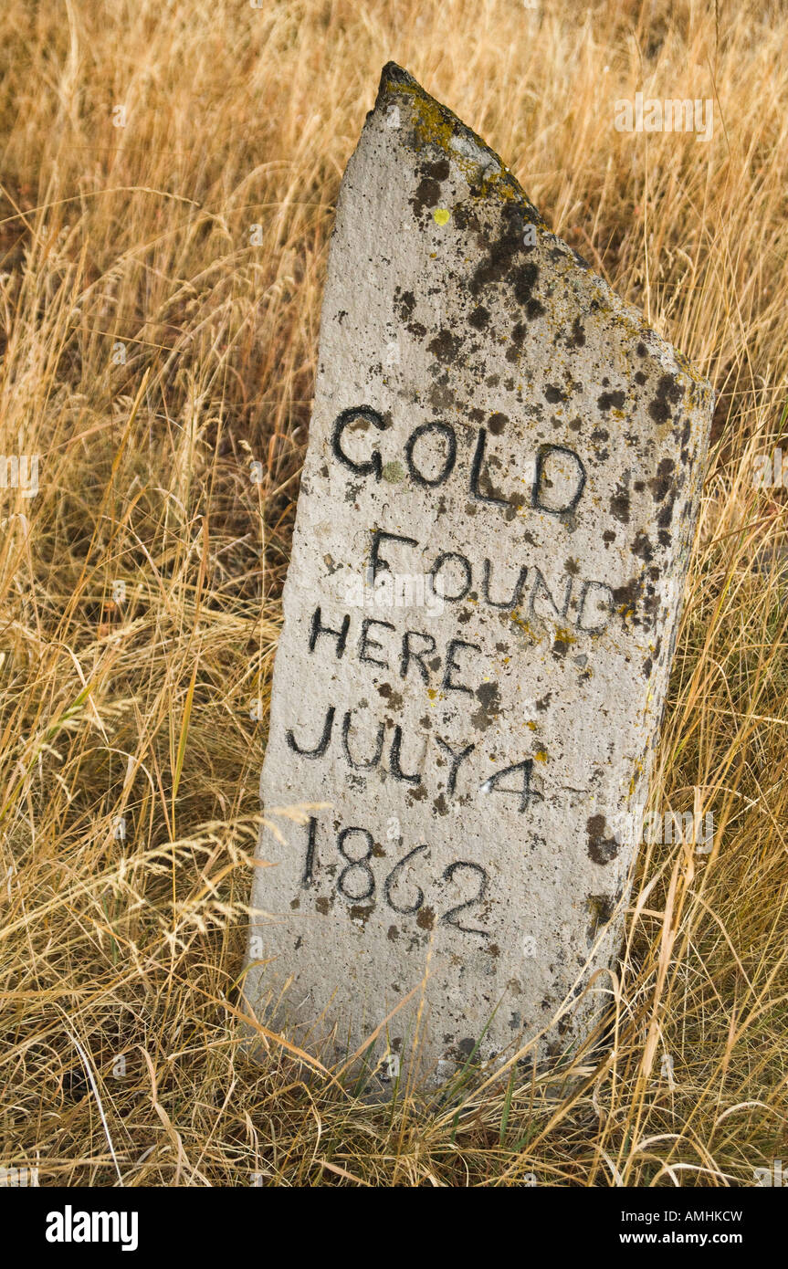 Gold Found Here marker in the historic mining town of Granite Oregon commemorating the discovery of gold on July - Stock Image