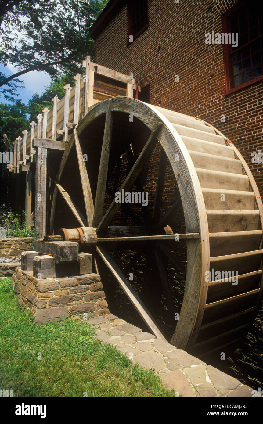 Water wheel at Colvin Run Grist Mill Fairfax VA - Stock Image