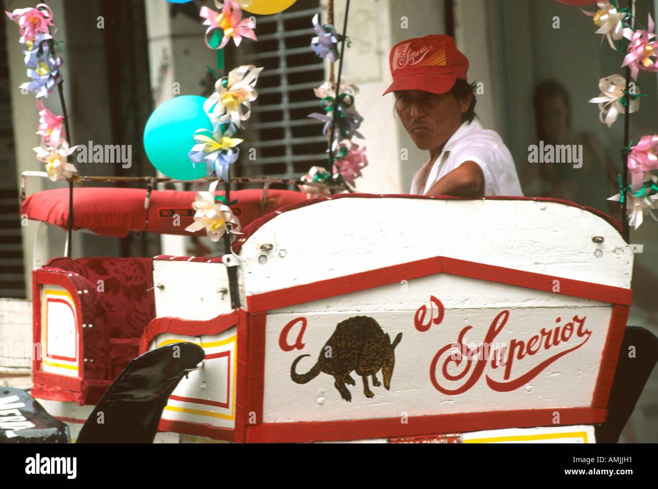 Mexiko, Yucatan, Merida, Kutscher am Plaza de Armas oder  Zocalo Stock Photo