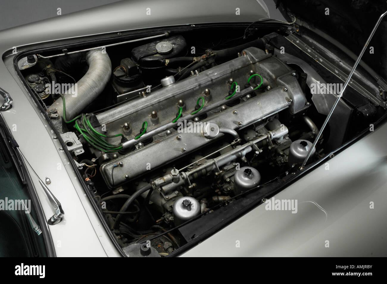 1964 Aston Martin Db5 Engine Stock Photo Alamy