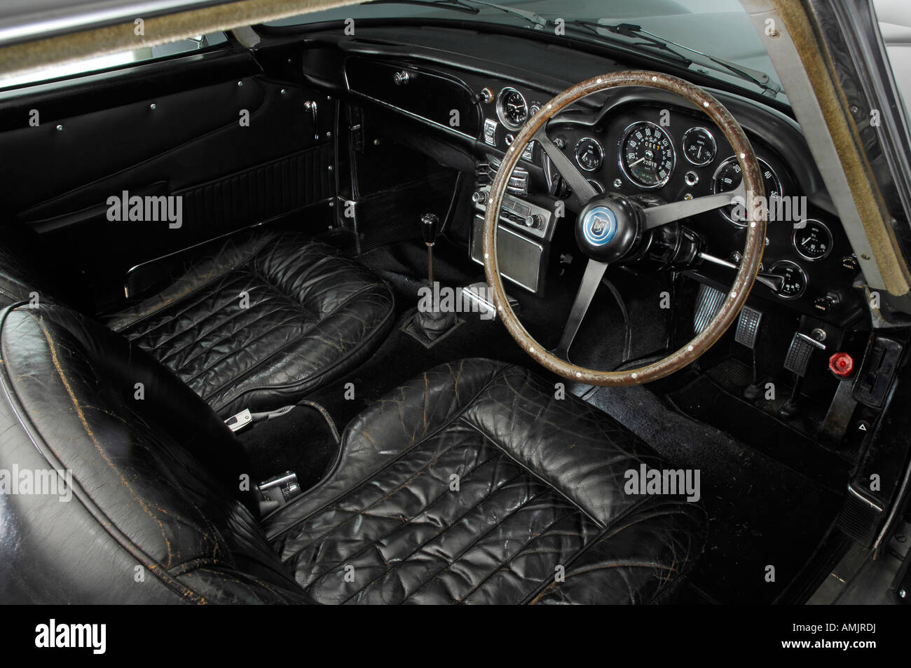 1964 aston martin db5 interior stock photo: 15280205 - alamy