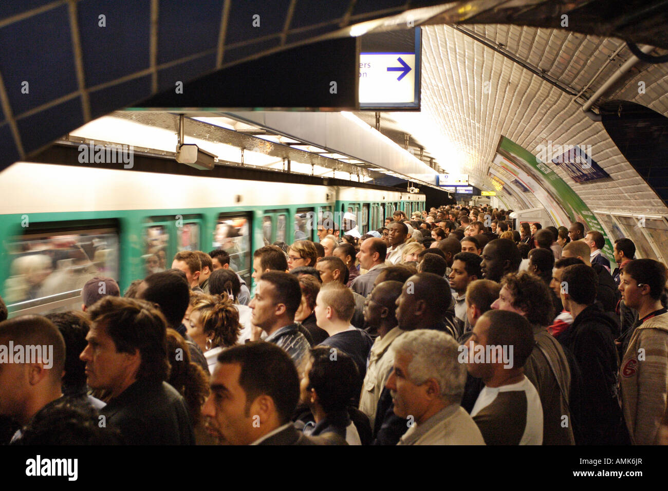 crowded travel paris france stock photos amp crowded travel