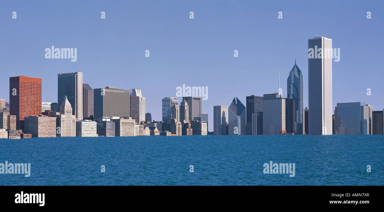Composite image of city buildings of Chicago partially submerged due to global warming - Stock Image