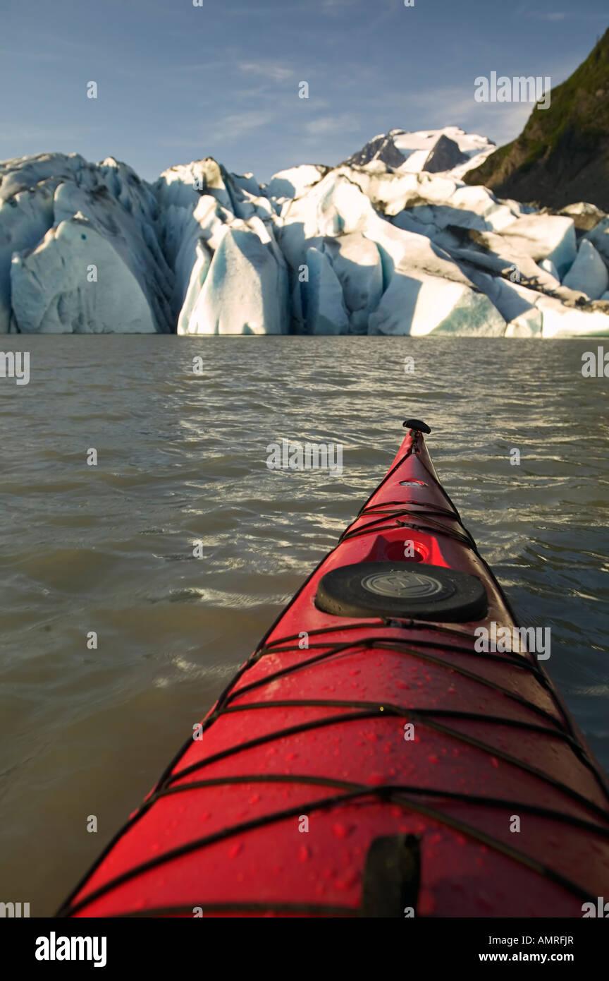 USA, Alaska, Inside Passage, Juneau, Kayaking on Mendenhall Lake with Mendenhall Glacier in the background - Stock Image