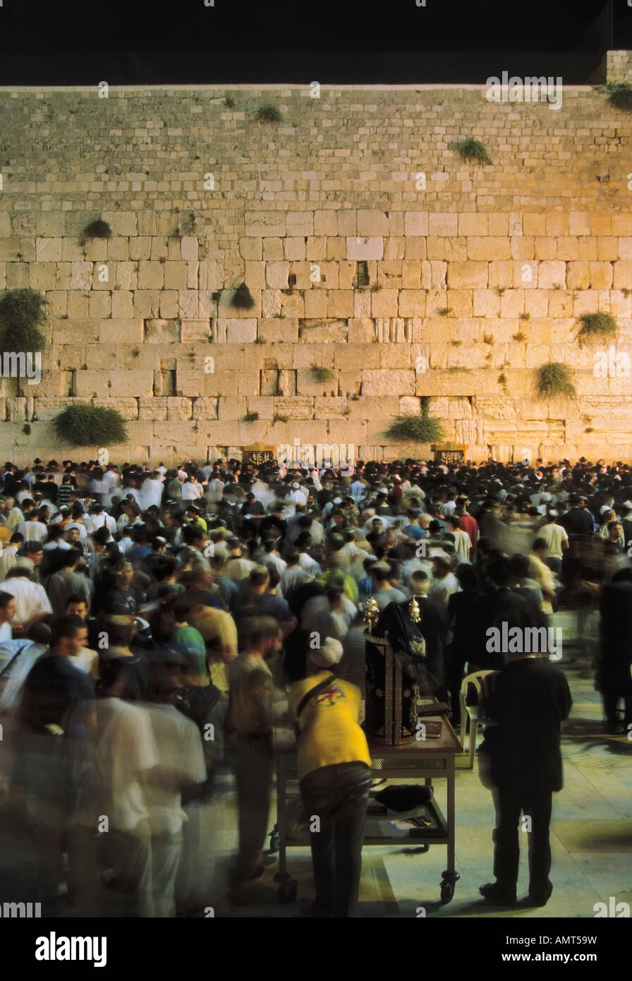 Jerualem, Israel, Night prayer at the Western (Wailing) wall. A horizonal is  ref. AMT4CH - Stock Image