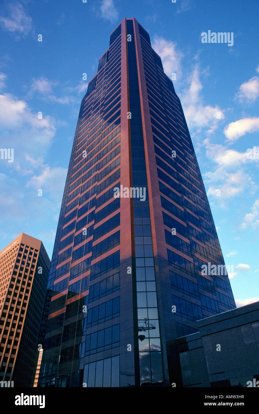 WORLD TRADE CENTER IN DOWNTOWN ST.PAUL, MINNESOTA AGAINST BLUE SKY. - Stock Image