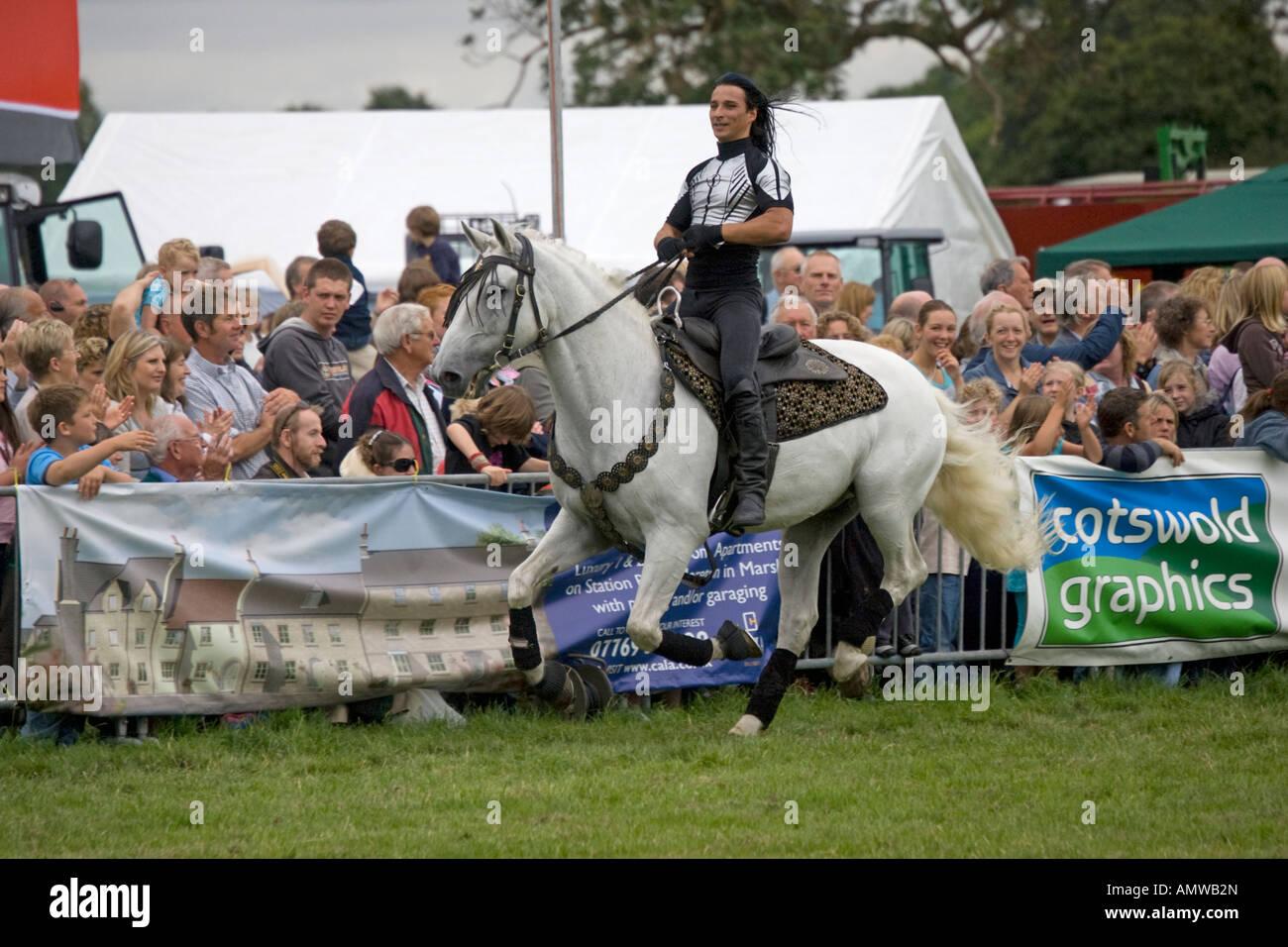 Stunt rider Guido Louis Alvarez Rockin Horse Productions team Moreton Show 2007 Cotswolds UK - Stock Image