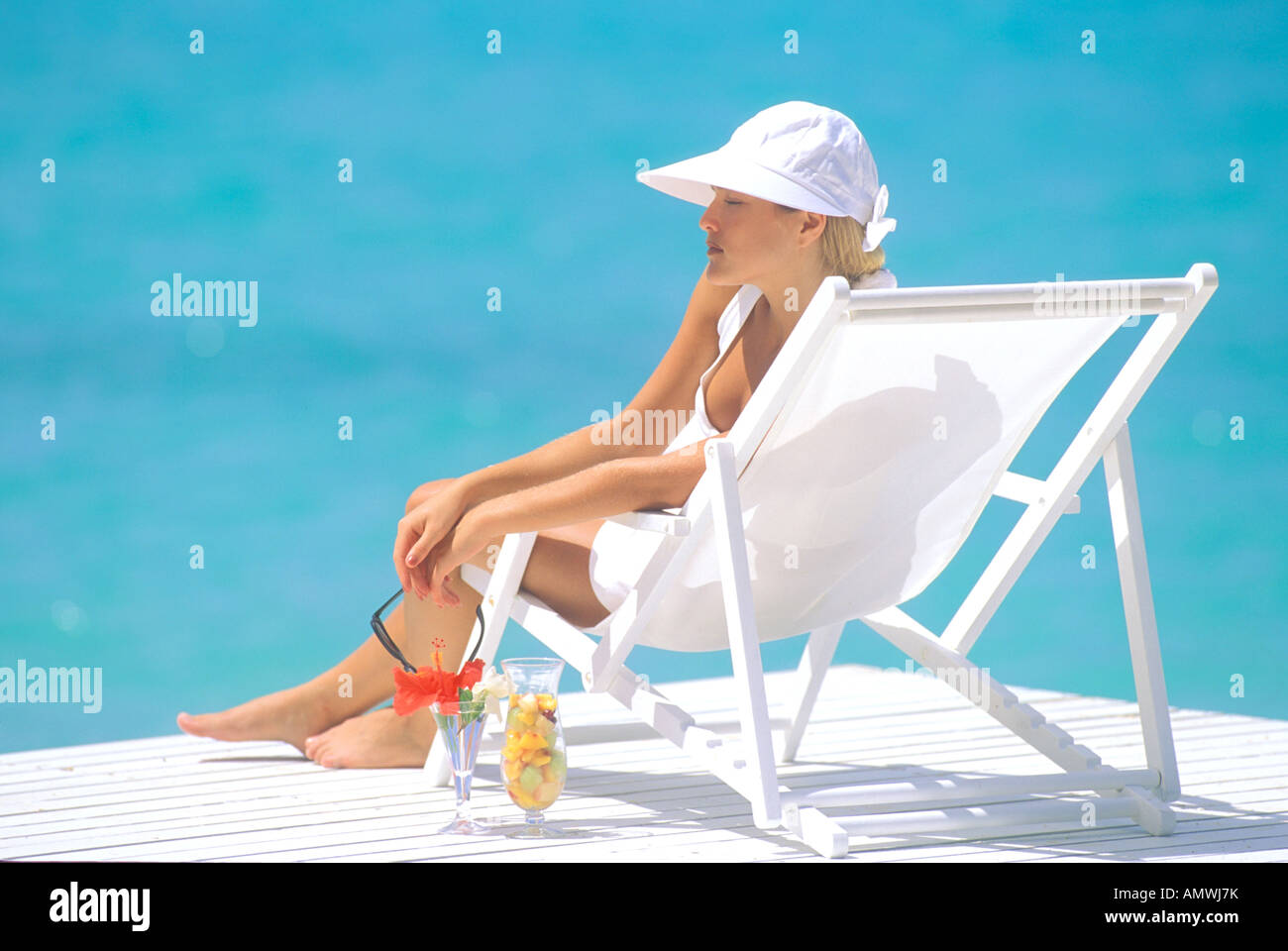 Stupendous Usa Hawaiian Islands Woman In Beach Chair Lounging On Ocoug Best Dining Table And Chair Ideas Images Ocougorg