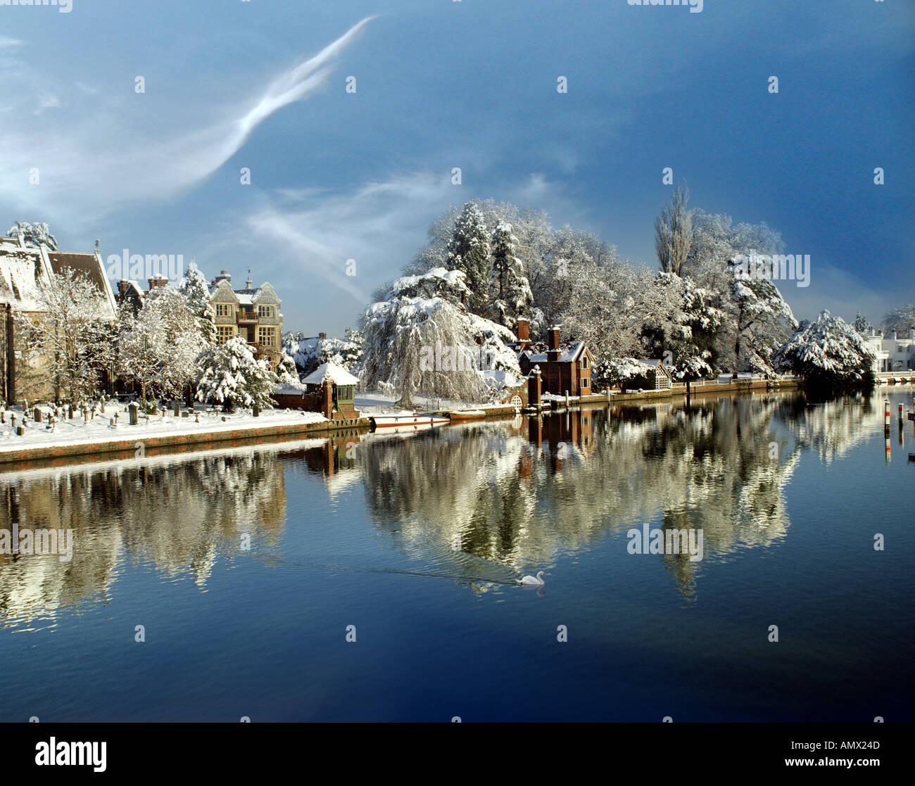 GB - BUCKINGHAMSHIRE: Town of Marlow and River Thames Stock Photo