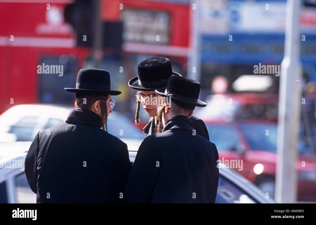 HASIDIC JEWS STAMFORD HILL LONDON - Stock Image