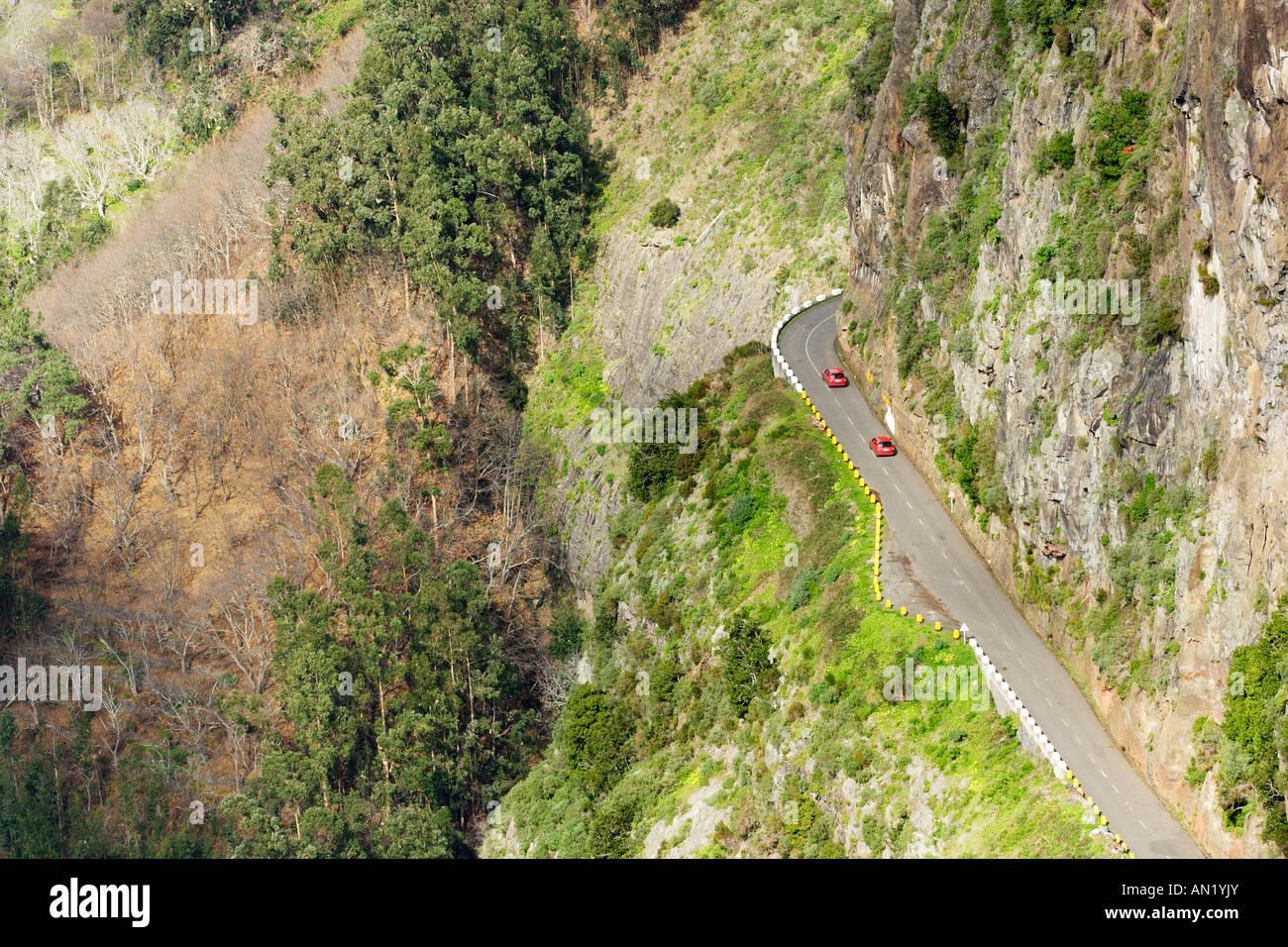 Portugal Madeira Blick vom Eira do Serrado auf den Ort Curral das Freiras - Stock Image