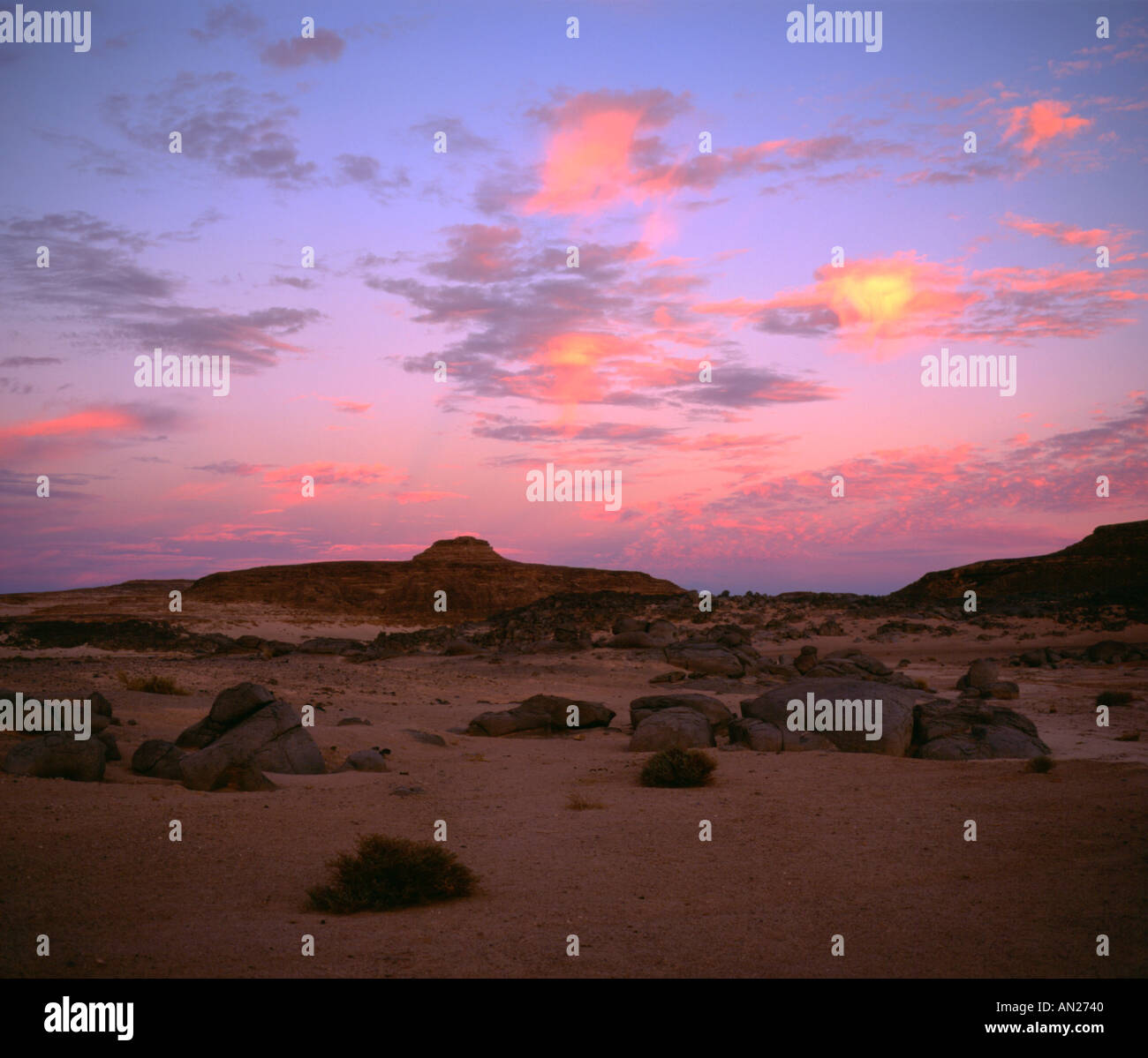 Sunset coloring altocumulus clouds in Central Sinai desert Stock ...