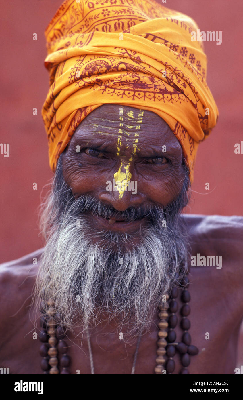 Friendly Sadhu holy man outside Agra s Red Fort India - Stock Image