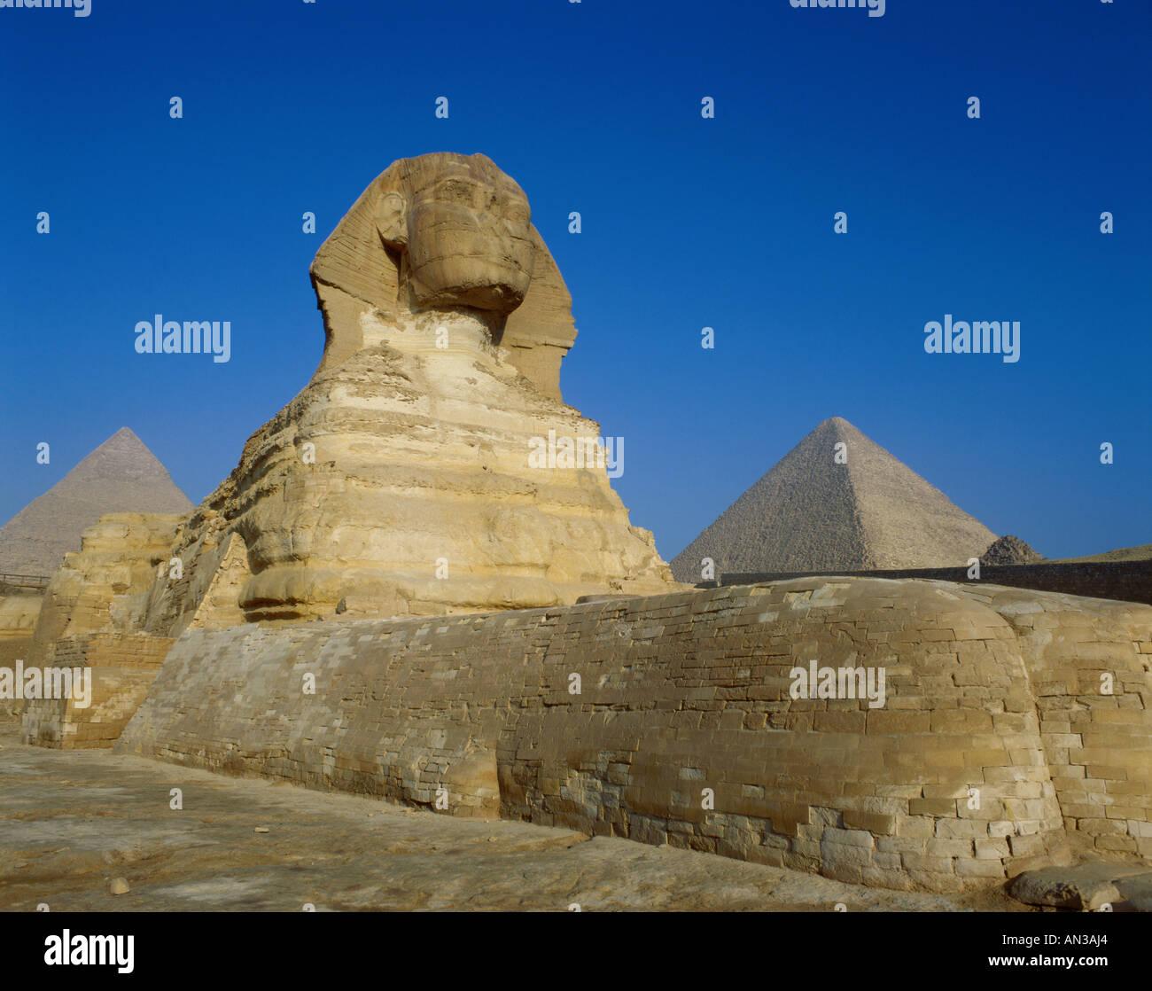 great sphinx pyramids giza egypt stock photo 8798883 alamy