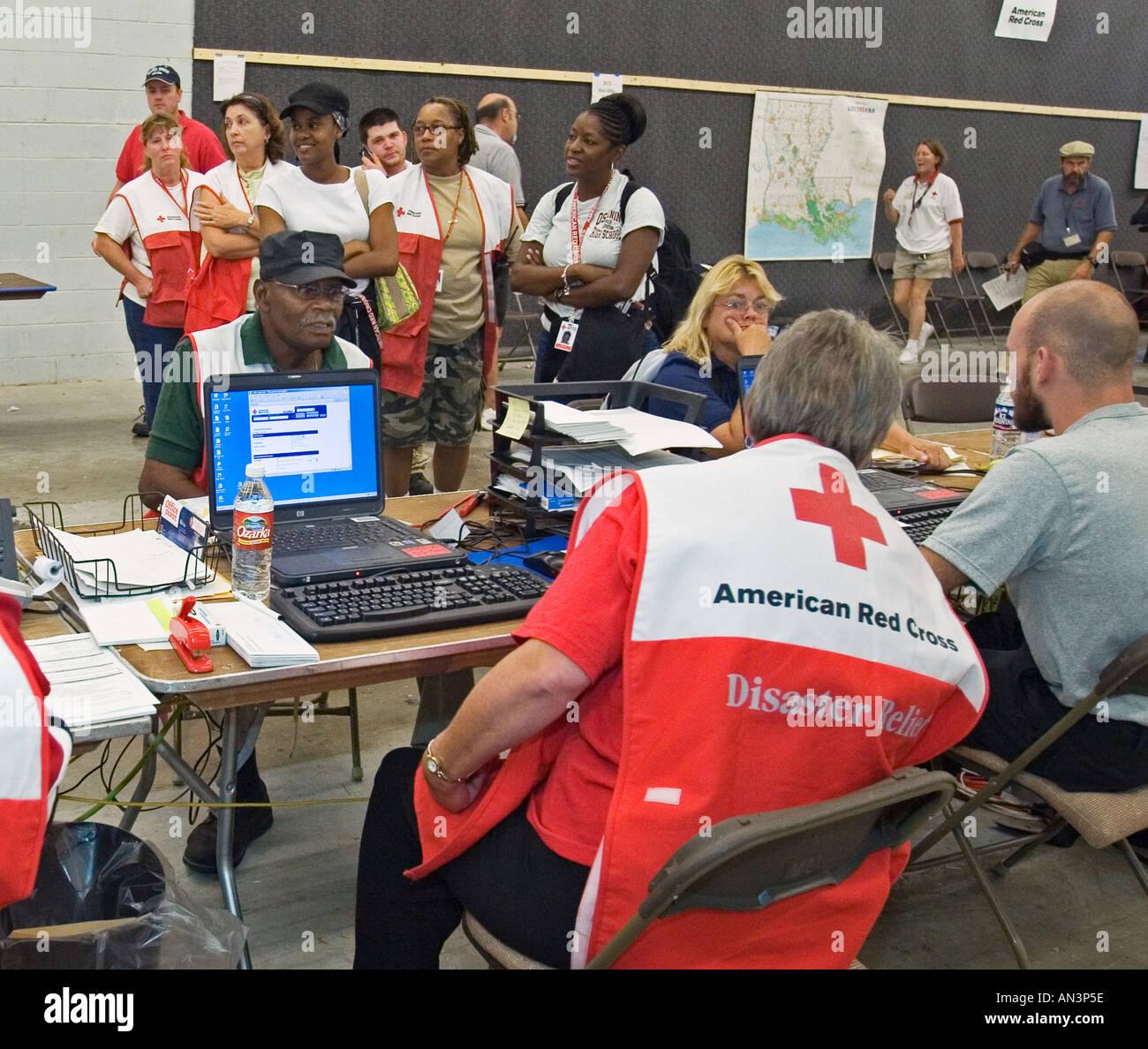 Red Cross Volunteers Coordinate Hurricane Katrina Relief - Stock Image