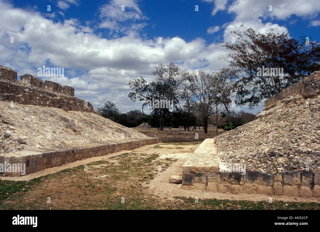 The Mayan ballcourt at Edzna, Campeche, Mexico - Stock Image