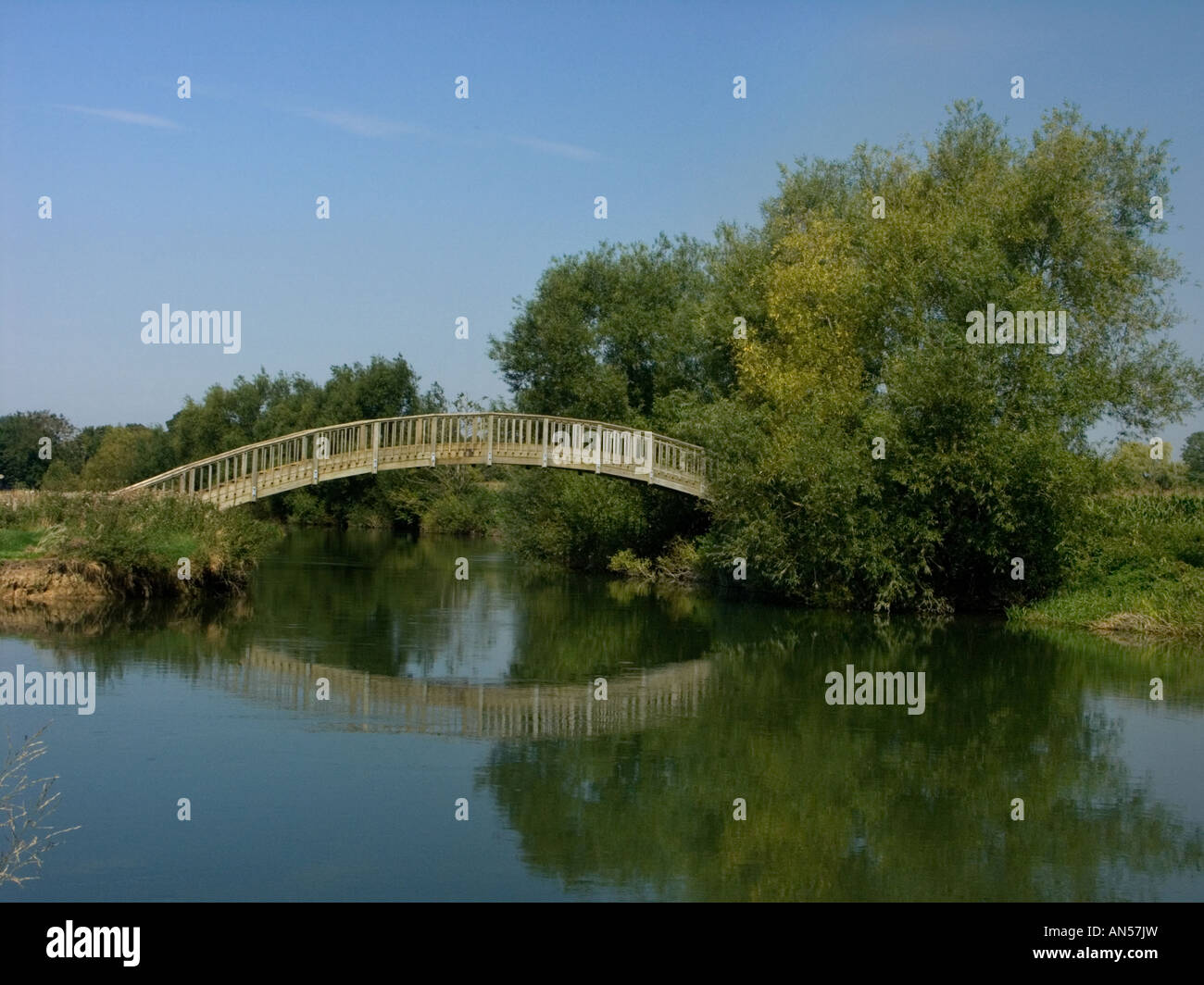 Bloomer's Hole footbridge over the Thames at Lechlade-on-Thames built in 2000 of steel with wooden cladding Stock Photo