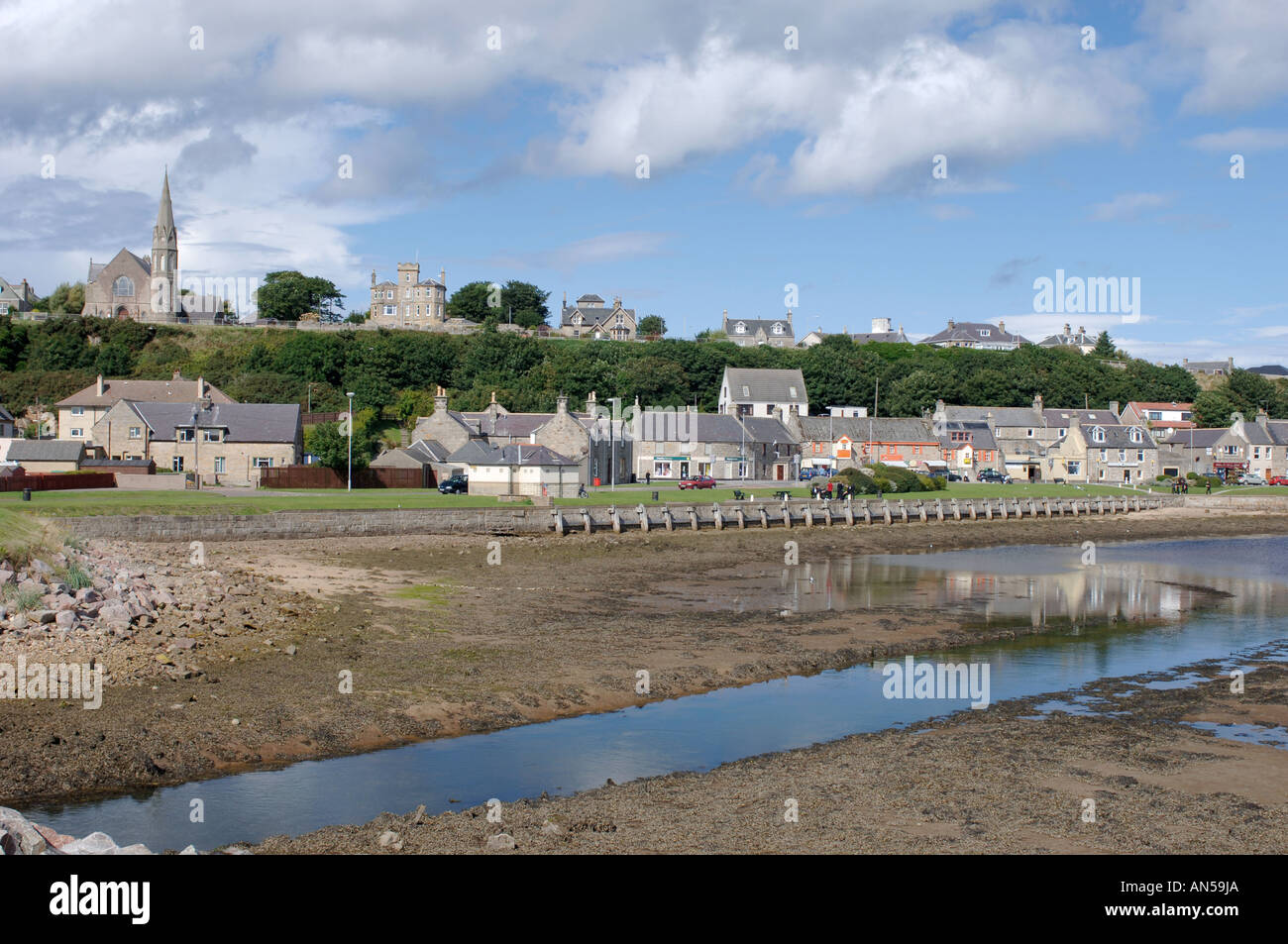 The River Lossie at the Lossiemouth seafront town, Morayshire. Scotland.  XPL 3228-321 - Stock Image