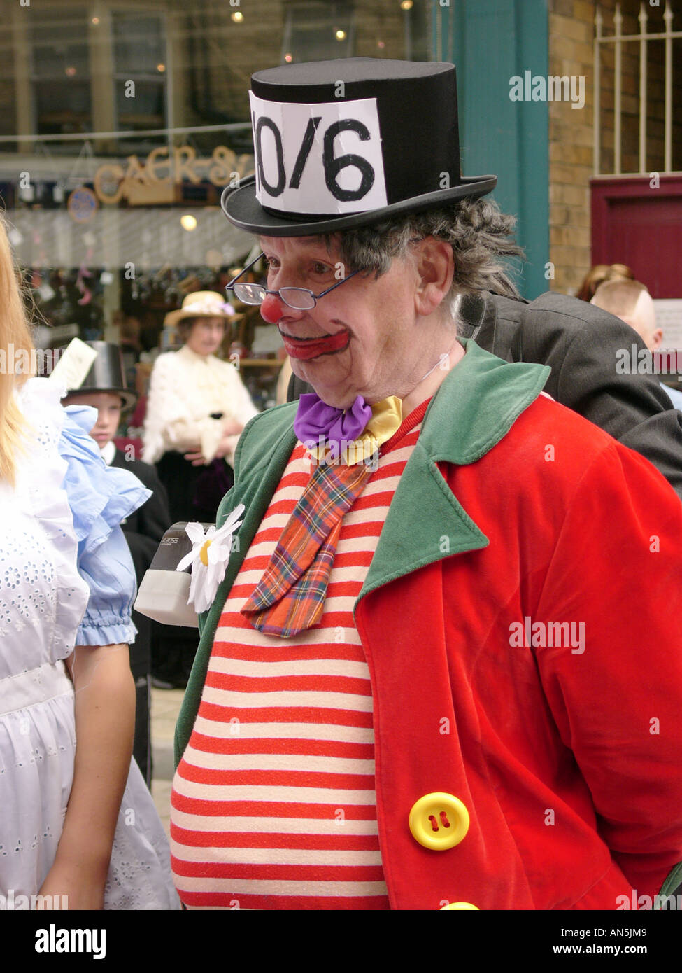 Llandrindod Wells victorian festival Powys Wales, man dressed up as the mad hatter, a character from Alice in Wonderland, UK - Stock Image